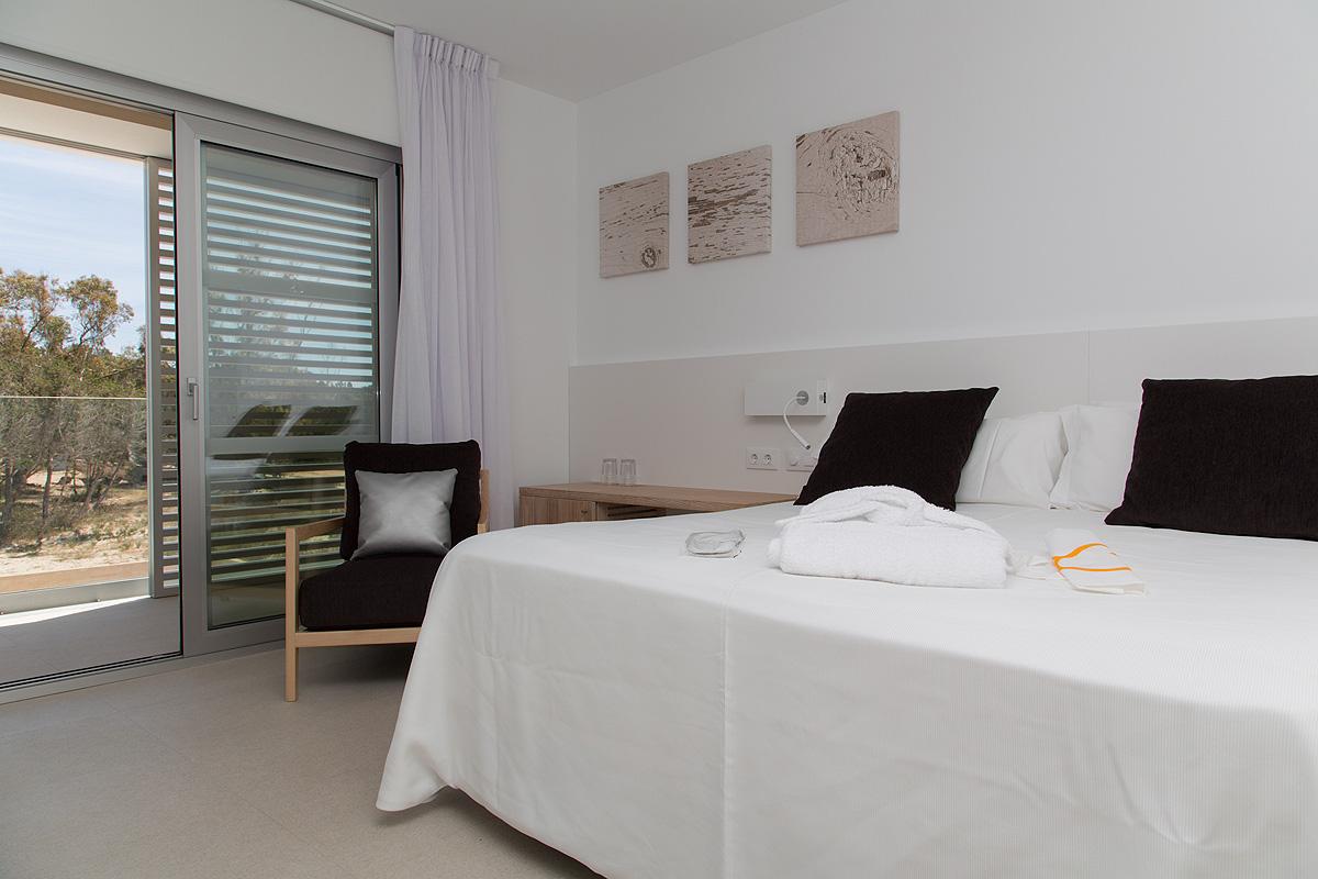 Un alojamiento en formentera con encanto hotel cala saona - Alojamiento en formentera con encanto ...