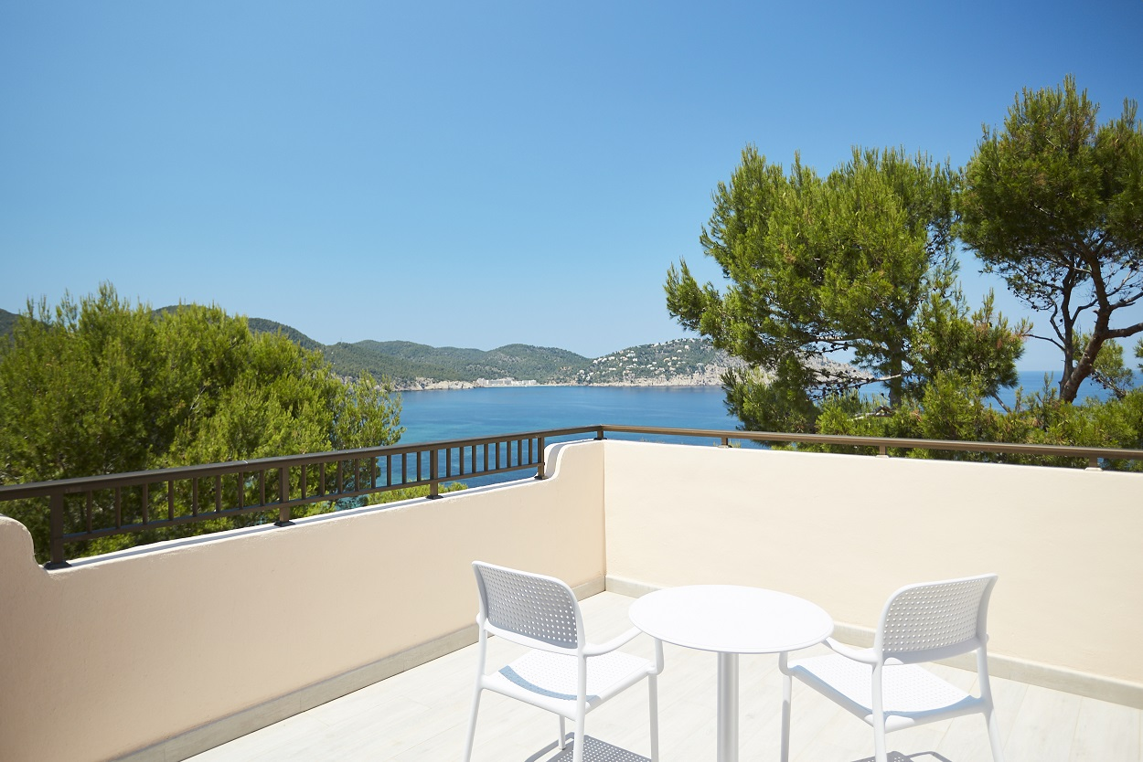 Invisa Hotel Cala Verde - Dates and rooms selection