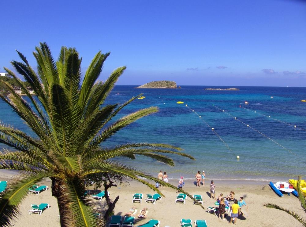 Apartamentos Playa Es Cana - Es Canar, Ibiza