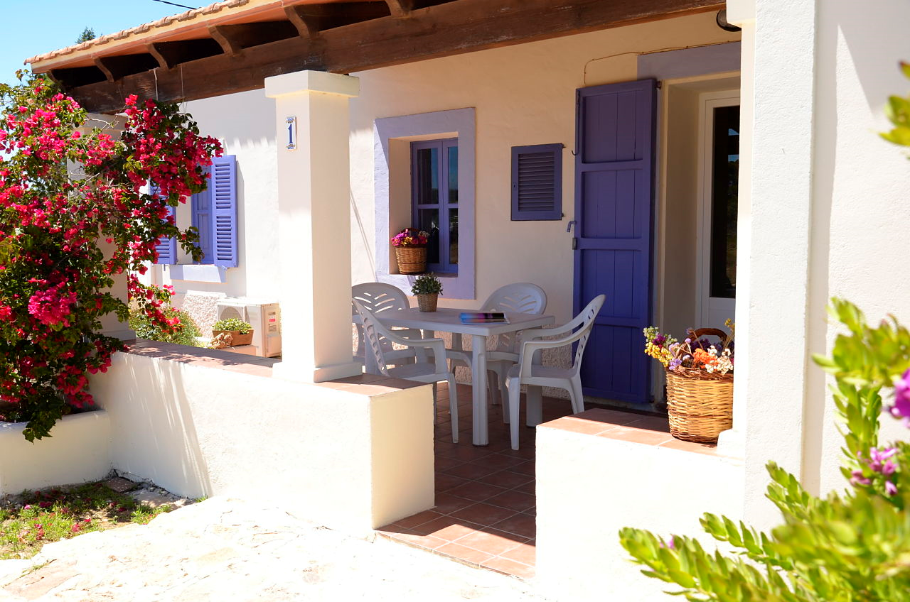 Casitas rurales sergi la savina formentera - Casas decoradas con gusto ...