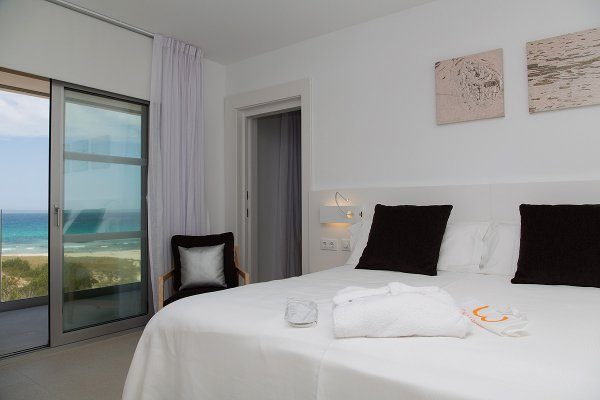 Double connecting Room with Sea View and access to Spa