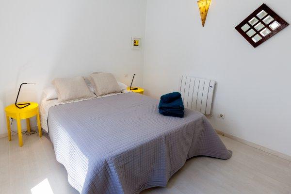 http://secure.neobookings.com/thumbs/ha6483-3568-apartamento_600x400.jpg
